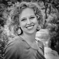 Author Stacy Henrie