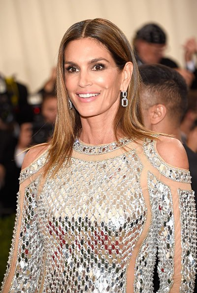 Get Cindy Crawford's Met Gala 2016 Look
