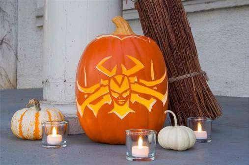 "Celebrate Halloween ""Hela-ween"" Style #ThorRagnarok"