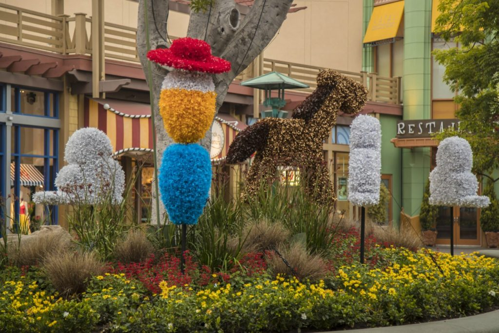 Make Your Own Hay Bales for a Toy Story 2 Party #PixarFest