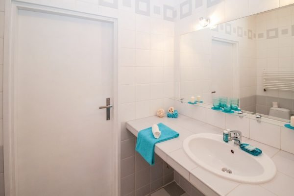 9 Ways to Give Your Bathroom a Makeover on a Budget