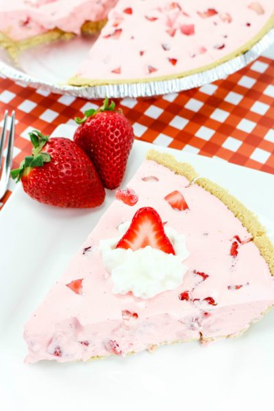 Strawberry Fluff Pie and 15 More Picnic Dessert Recipes