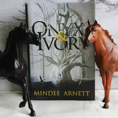 ONYX AND IVORY by Mindee Arnett Book Review