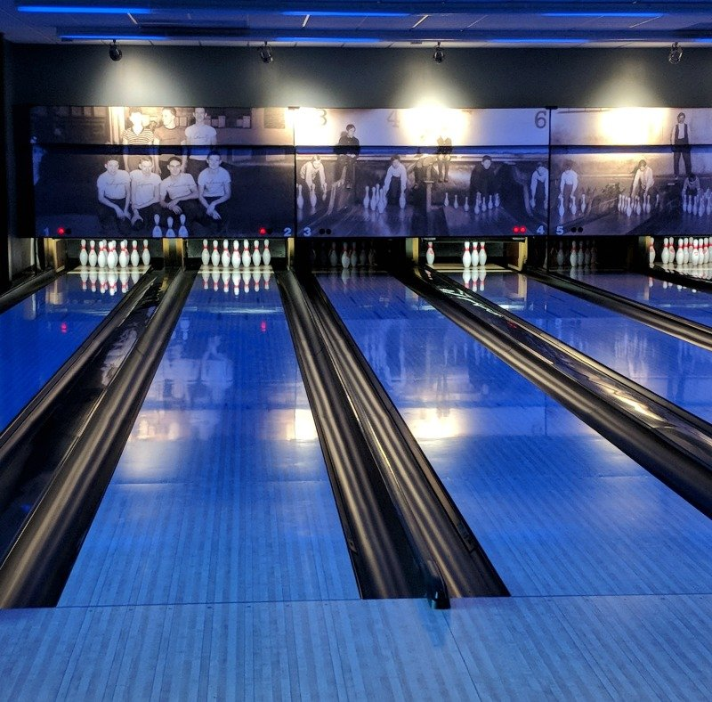 Pinstripes Cleveland Bistro, Bowling and Bocce in Orange Village