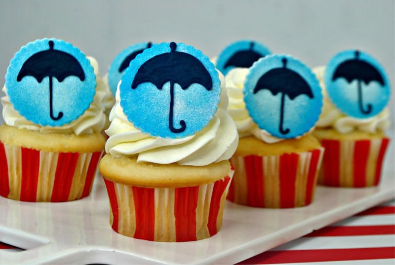 Mary Poppins Cupcakes and A Look at the Music and Magic of Mary Poppins Returns