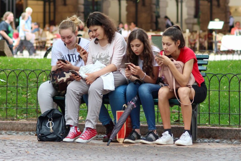 Curb Your Kids' Cell Phone Use With This Advice