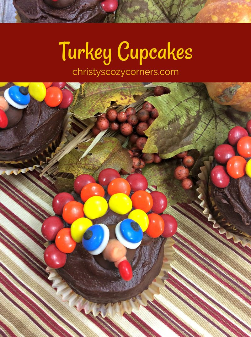 Cute Turkey Cupcakes and Thanksgiving Printables