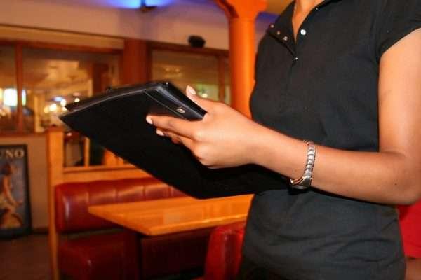 When Do Restaurant Servers Earn the Best Tips